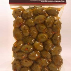 Green olives marinated with peper and almonds. 250 gr.