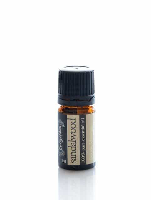 100% pure and natural Sandalwood essential oil for aromatherapy 5ml.
